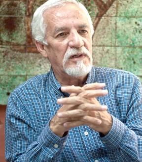 Carlos Henríquez Consalvi nominado autor del mes