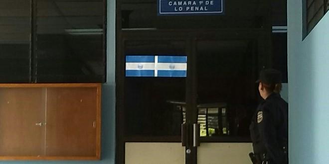 Fachada de la Cámara Primero de lo penal en los tribunales del Isidro Menéndez, de San Salvador. Foto Diario Co Latino/Beatriz Castillo