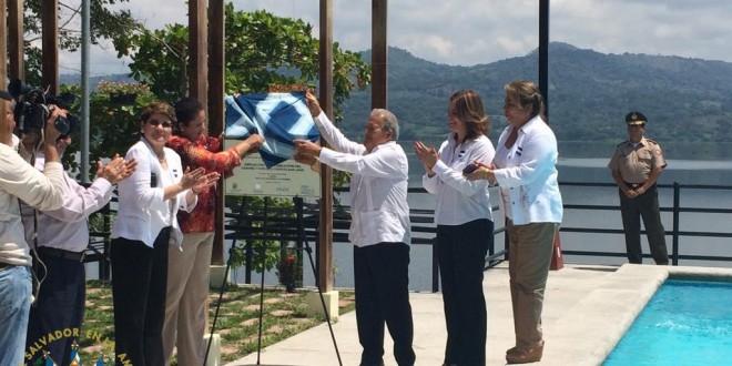 El presidente de la República Salvador Sánchez Cerén inauguró esta mañana una serie de obras de modernización y ampliación en el centro turístico puerto San Juan, en el municipio de Suchitoto. Foto Diario Co Latino.