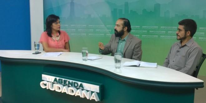 Alicia Miranda junto a sus invitados a la entrevista Agenda Ciudadana, Luis López y Antonio Pacheco. Foto Diario Co Latino