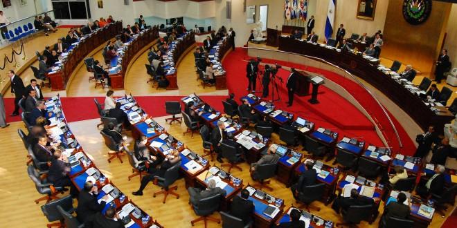 Diputados de la Asamblea Legislativa aprueban el presupuesto general para las elecciones municipales y legislativas de 2015. Foto Diario Co Latino/Archivo.