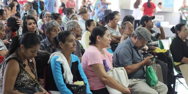 Pacientes del Hospital Rosales fueron atendidos con normalidad a partir de este día, luego que los doctores levantaran el paro de labores. Foto Diario Co Latino/Wilfredo Lara