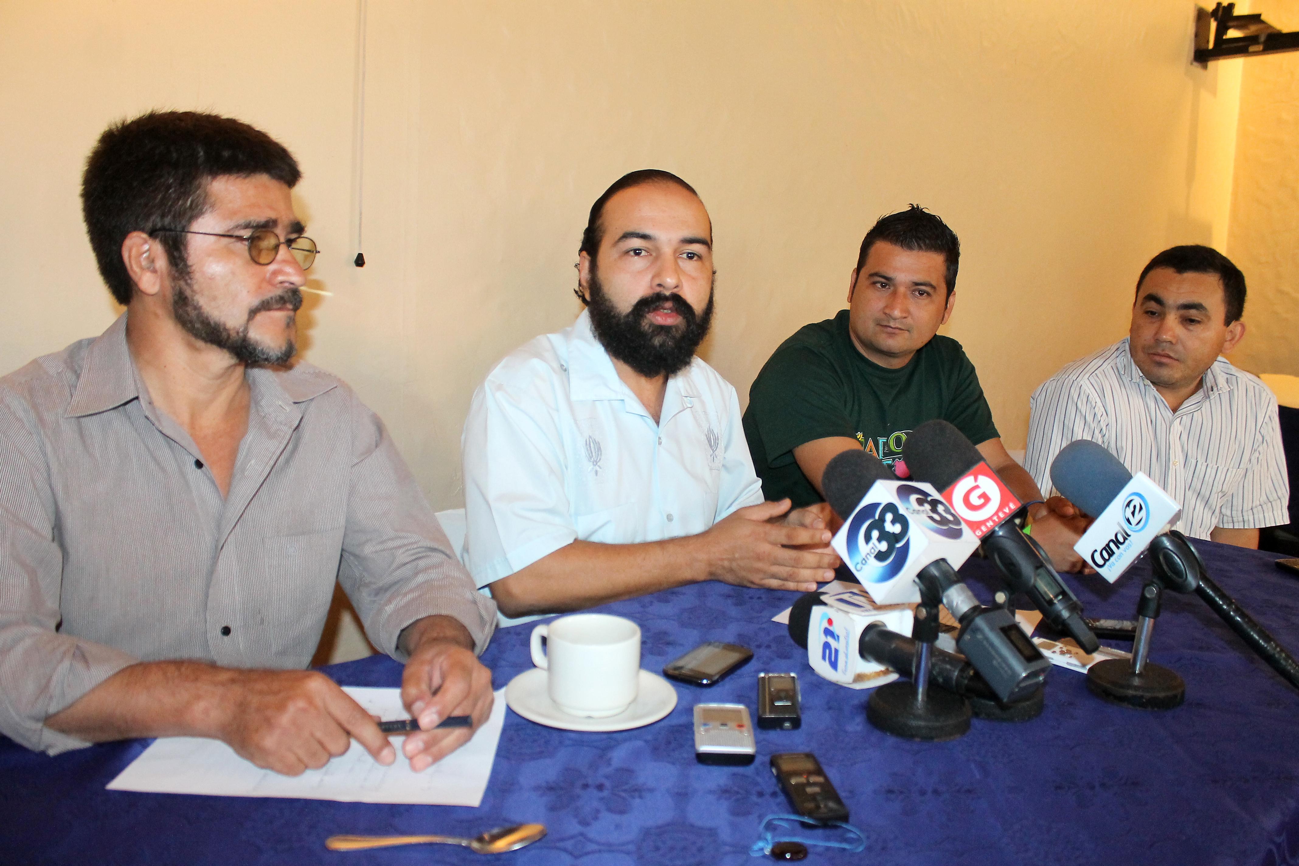 Antonio pacheco ades luis l pez abogado mesa nacional for Carles mesa radio nacional