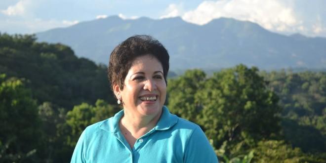 Nury Rodríguez es la candidata a la Alcaldía de Tonacatepeque en San Salvador por el Frente Farabundo Martí para la Liberación Nacional (FMLN). De ser elegida, sería la primera alcaldesa en el municipio. Foto: Diario Co Latino/ Rob Escobar.