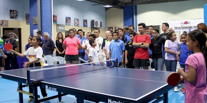 La Federación Salvadoreña de Tenis de Mesa, inaugura la modernización de la sala de entrenamiento, entregada por la Embajada de Japón. Foto Diario Co Latino / Jorge Rivera.