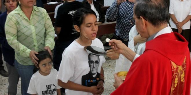 """""""Beatificación de Monseñor Romero es una fiesta del Espíritu"""": Monseñor Rosa Chávez"""