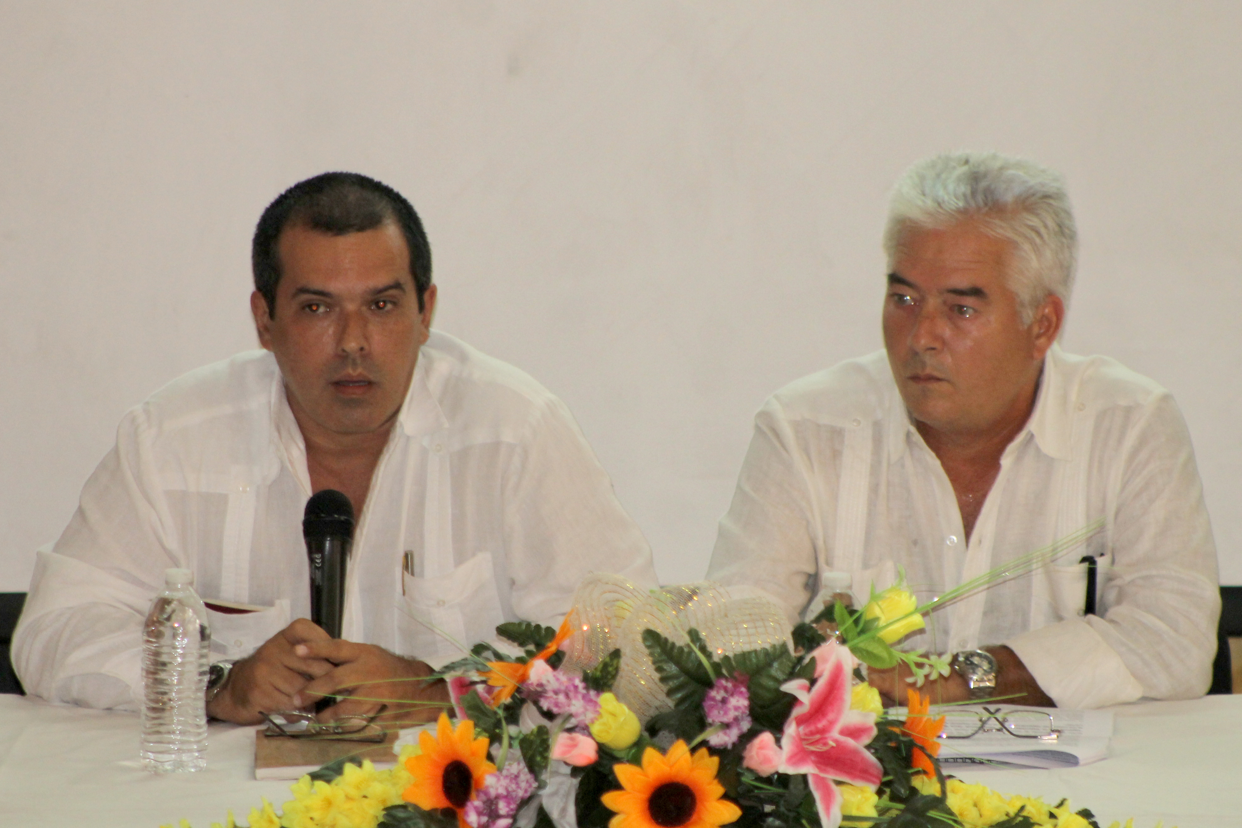 Luis Enrique González, Presidente de la Prensa Latina y Eduardo Rodríguez Baz, Vicepresidente de la Prensa Latina. Foto Diario Co Latino / Jorge Rivera.