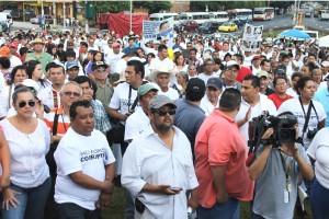 La concentración de la Alianza Social denuncia la corrupción de los funcionarios durante los gobiernos de ARENA. Foto Diario Co Latino / Jorge Rivera.