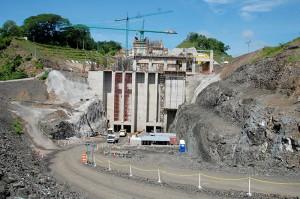 Grupo CEL pretende duplicar la capacidad de la generadora hidroeléctrica de la Central 5 de Noviembre, con el área que se está construyendo. Foto Diario Co Latino / Josué Parada