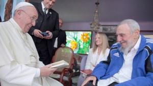 El papa Francisco y Fidel Castro.