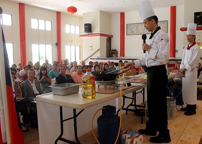 El publico disfruto de los platillos de los chef taiwandeses  Michael Lee y Chui-Hsun Yang  .