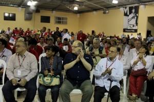 Miembros de delegaciones internacionales que participaron como invitados especiales  en la  inauguración del primer congreso del FMLN. Foto Diario Co Latino / Josué Parada