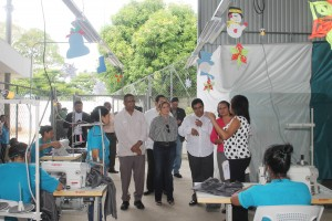 Diputados de la Comisión de Justicia y Derechos Humanos de la Asamblea Legislativa, visitaron el taller de confección Penal de Mujeres en Izalco, Sonsonate.  Foto Diario  Co Latino/Jorge Rivera