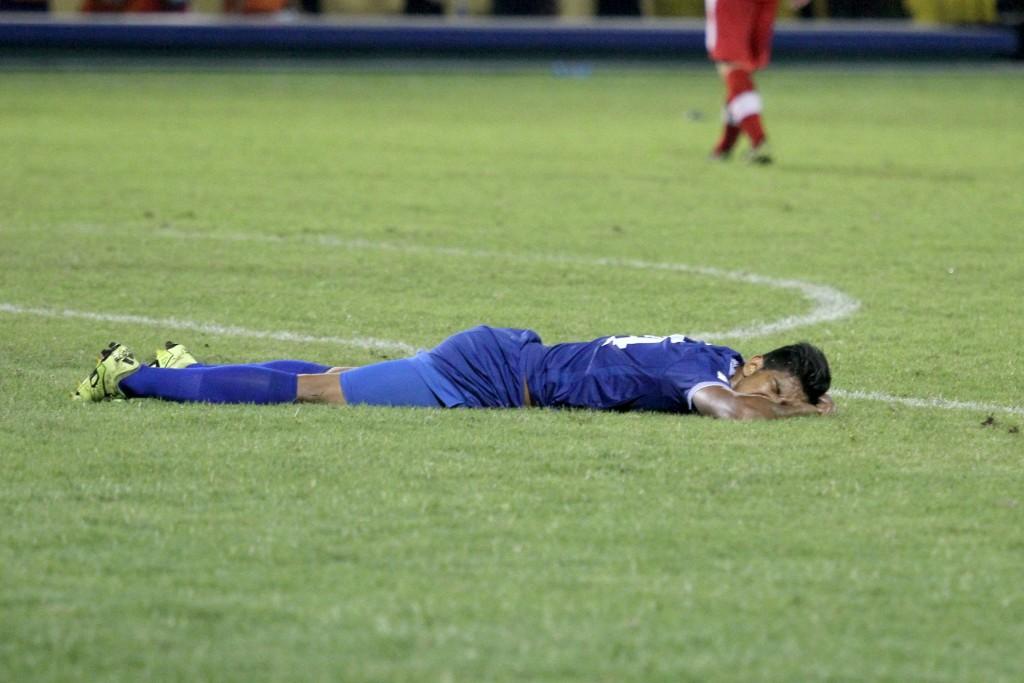 El empate contra Canadá supo a derrota y pone cuesta arriba la clasificación a la hexagonal final para la selecta. Foto Diario Co Latino / Josué Parada.