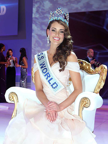 Miss South Africa, Rolene Strauss, is crowned Miss World 2014 at the final, on stage at the Excel centre in east London, Sunday, Dec. 14, 2014. (Photo by Joel Ryan/Invision/AP)