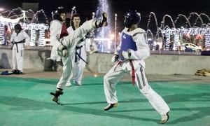 Combates fue una de las evaluaciones que más acaparó la atención del público asistente a la evaluación que realizó la Escuela de Taekwondo Leones. Foto Diario Co Latino/ Cortesía.