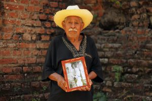 Rosalío  Ama, indígena izalqueño,  descendiente  de Feliciano Ama.  Foto  Diario  Co Latino / Josué Parada
