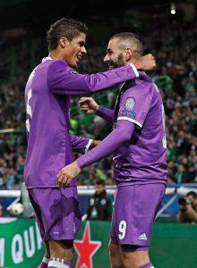 Los franceses Raphael Varane y Karim Benzema dieron el triunfo al Real Madrid al anotar los dos goles de la victoria sobre el Sporting Lisboa. Foto Diario  Co Latino