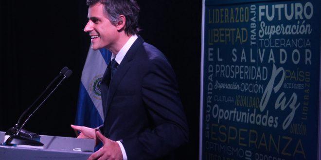 Carlos Calleja reafirma su precandidatura  presidencial en medio de crisis interna de ARENA