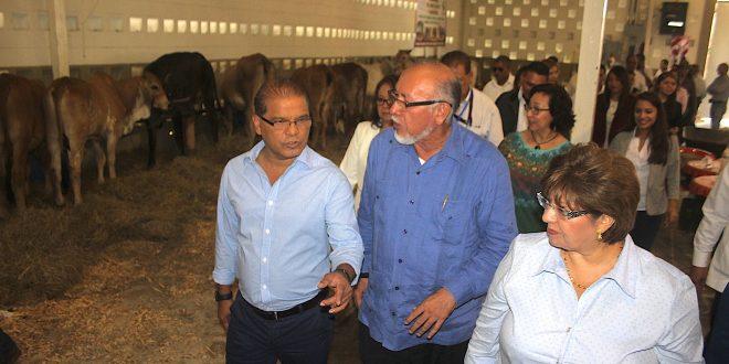 """""""Este Gobierno tiene como prioridad  el sector agropecuario"""": Oscar Ortiz"""