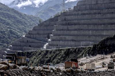 Una ambición hecha agua: emergencia en la mayor hidroeléctrica de Colombia