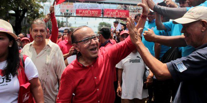 """Gerson Martínez reafirma compromiso de """"luchar  junto al pueblo"""""""