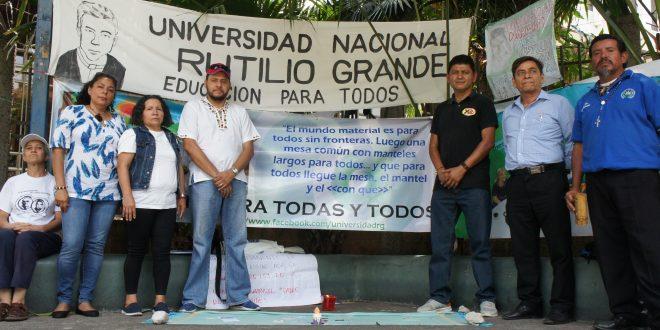 Organizaciones sociales ayunan por aprobación de Universidad Rutilio Grande