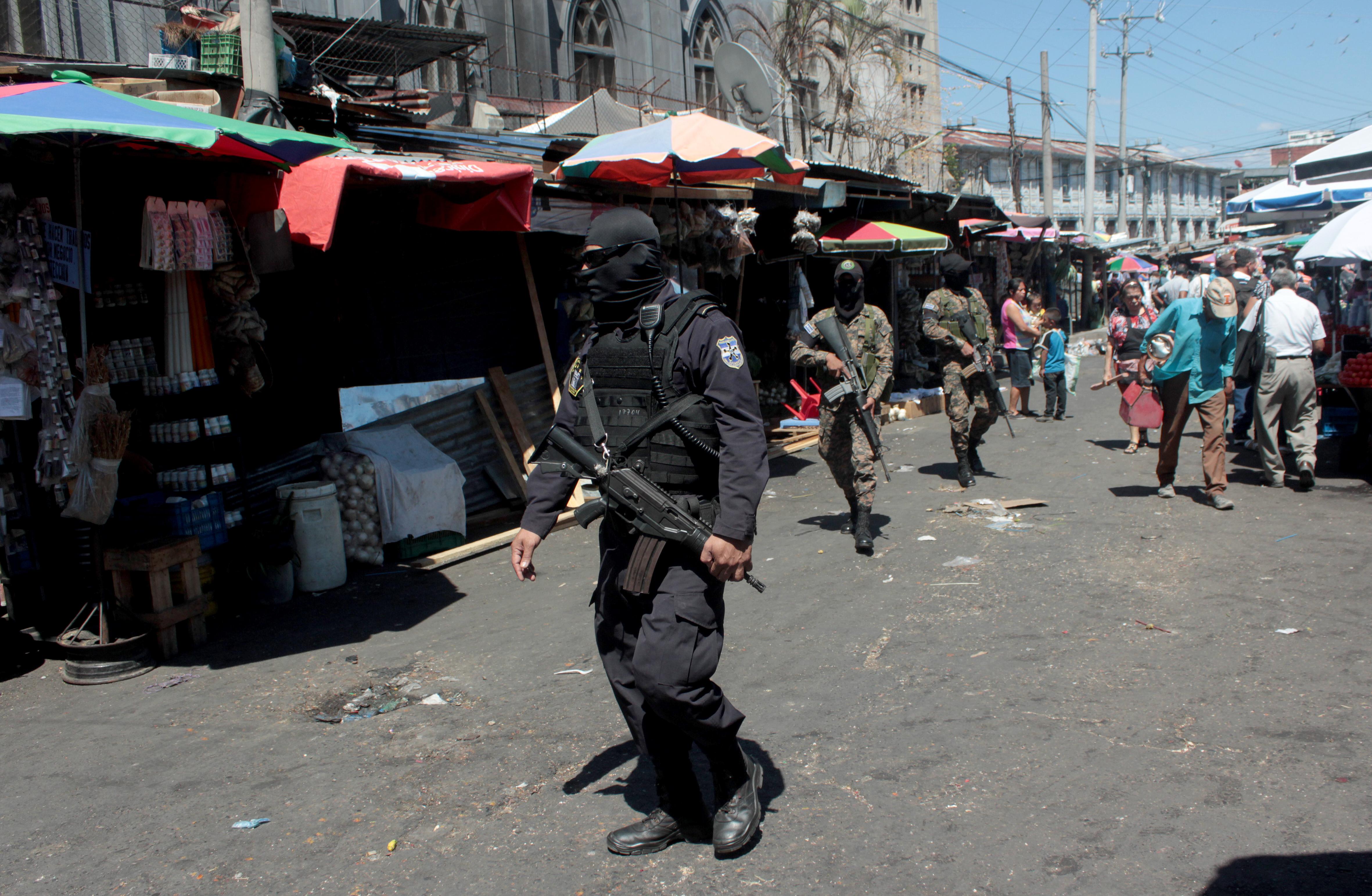 Asamblea avala bono trimestral para agentes de seguridad pública